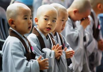 Worshippers Around The World Mark Buddha's Birthday