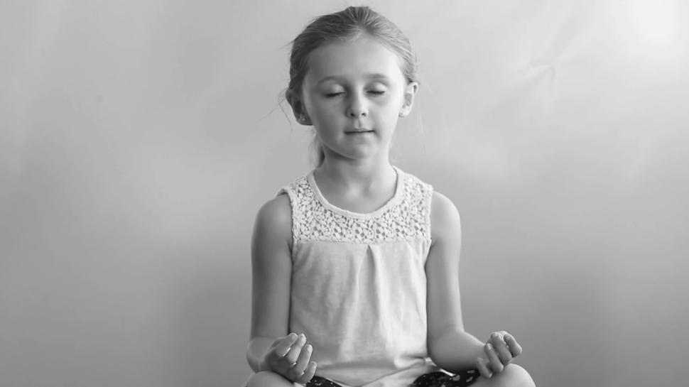 """""""Apenas Respire"""": Crianças falam sobre meditação"""