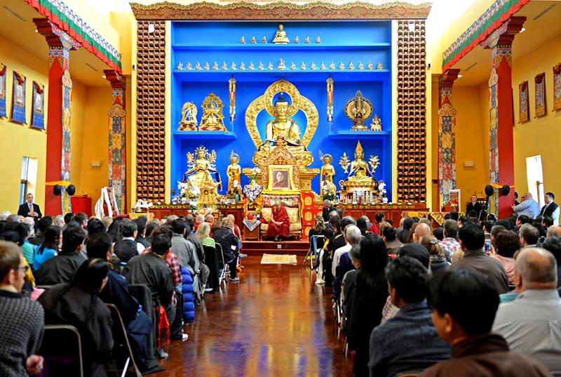 """Dalai Lama: """"Centros budistas deveriam ser salas de aula acadêmicas."""""""